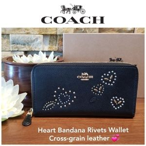NEW Coach Heart Bandana Rivets Accordion Wallet